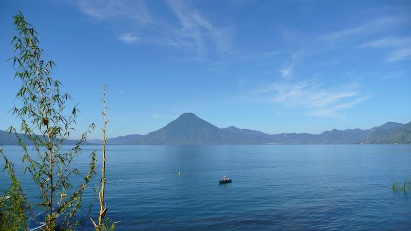 Am Atitan-See, einem der schönsten Seen der Welt