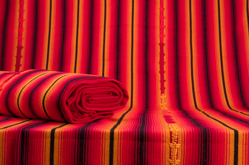 mayadecke orange am besten weg. Black Bedroom Furniture Sets. Home Design Ideas