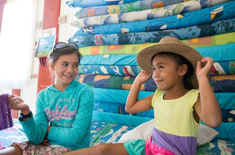 Manchmal wird das Umutahi Wharenui auch zum Spielplatz für die Kinder. Diese geben dem Marae erst recht die lebendige Energie, die es braucht. Darüber sind sich alle einig.