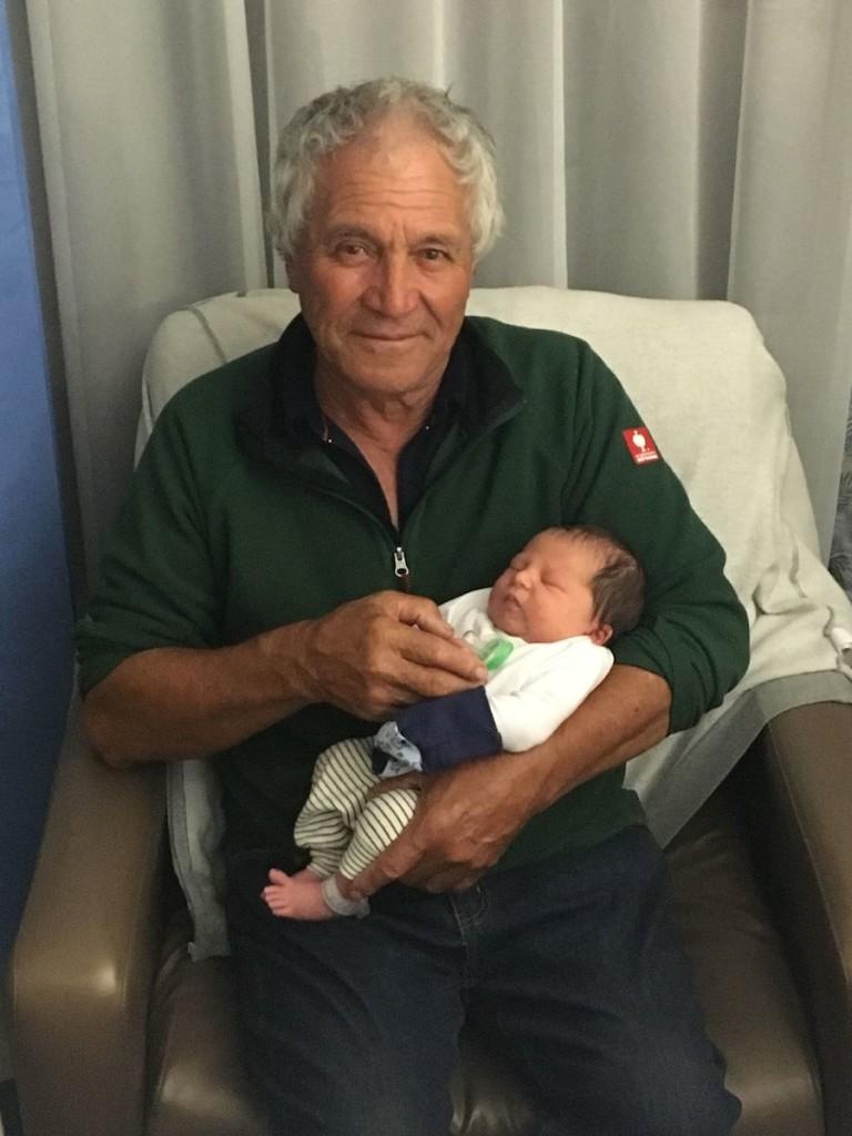 Māui mit seinem Koro, Wyns Dad