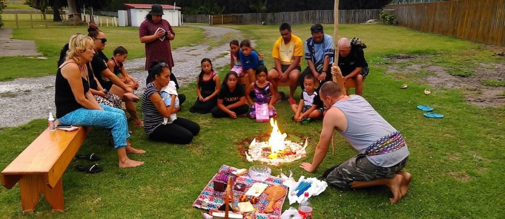 Feuer-Willkommenszeremonie für Māui