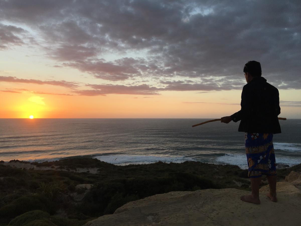 Sonnenuntergangs-Zeremonie mit Onkel Wets